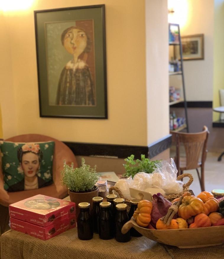מסעדת בראסרי הפכה לגלריית אמנות (צילום: צילום פרטי)