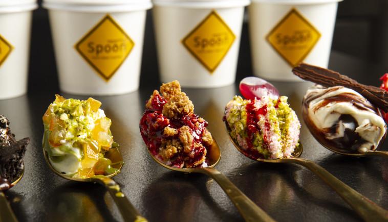פופ אפ גלידות בלי קמח  (צילום: גל קלדרון)