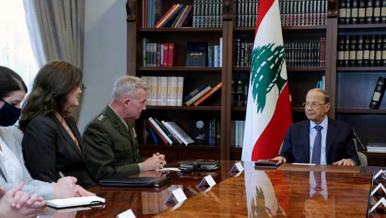 הגנרל האמריקאי קנת מקנזי בפגישה בלשכתו של נשיא לבנון (צילום: Pool via REUTERS)