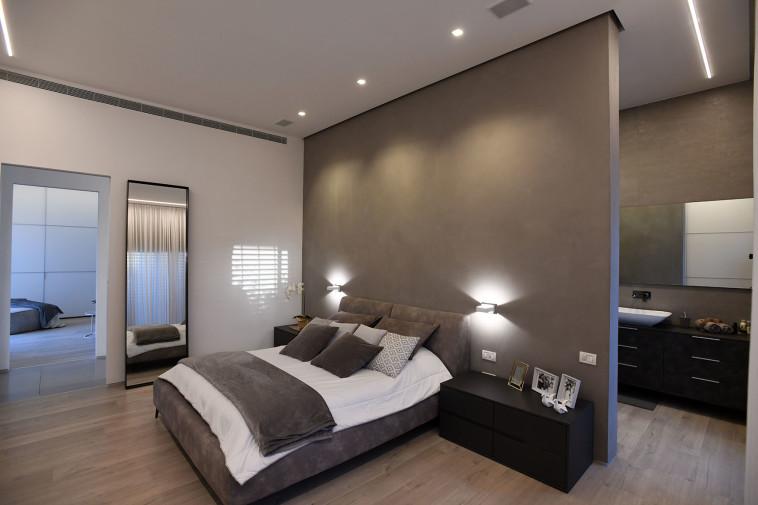 חדר שינה (צילום: שאטרסטוק)