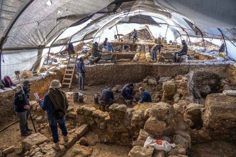 חפירת רשות העתיקות באתר  (צילום: יניב ברמן, רשות העתיקות)