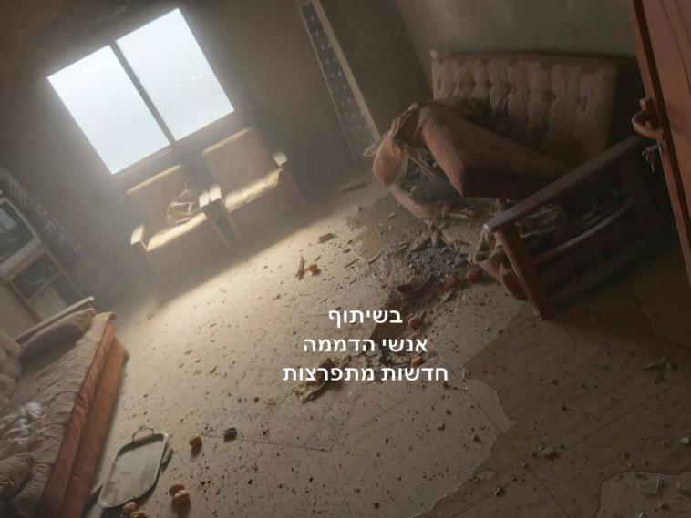 פגז של צה''ל שפגע בבית בדרום לבנון (צילום: אנשי הדממה)