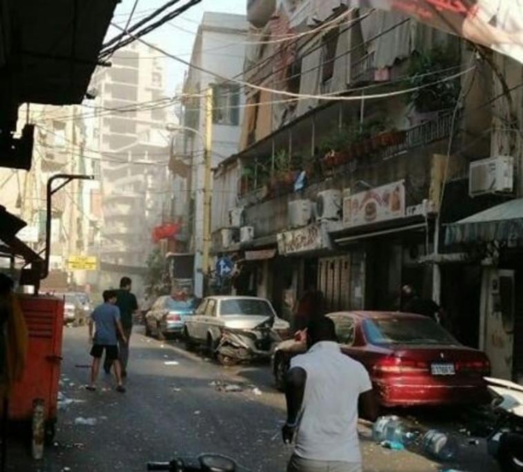 ההרס ברחובות ביירות בעקבות הפיצוץ בנמל (צילום: רשתות ערביות)