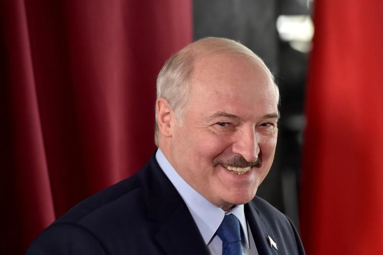 נשיא בלארוס אלכנסדר לוקשנקו (צילום: Sergei Gapon/Pool via REUTERS)