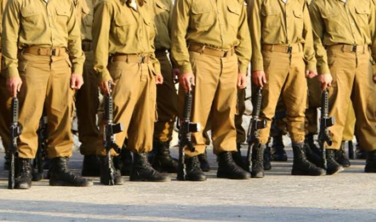 חיילים בצבא (צילום: שאטרסטוק)