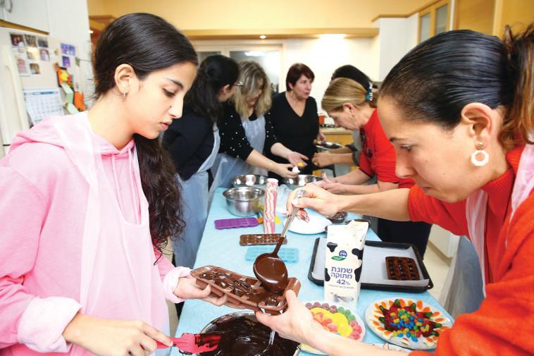 סדנת שוקולד השולחן המתוק (צילום: יח''צ)