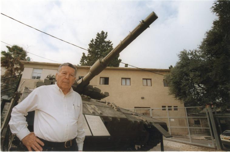 ישראל טל (צילום: הרצל שפירא)