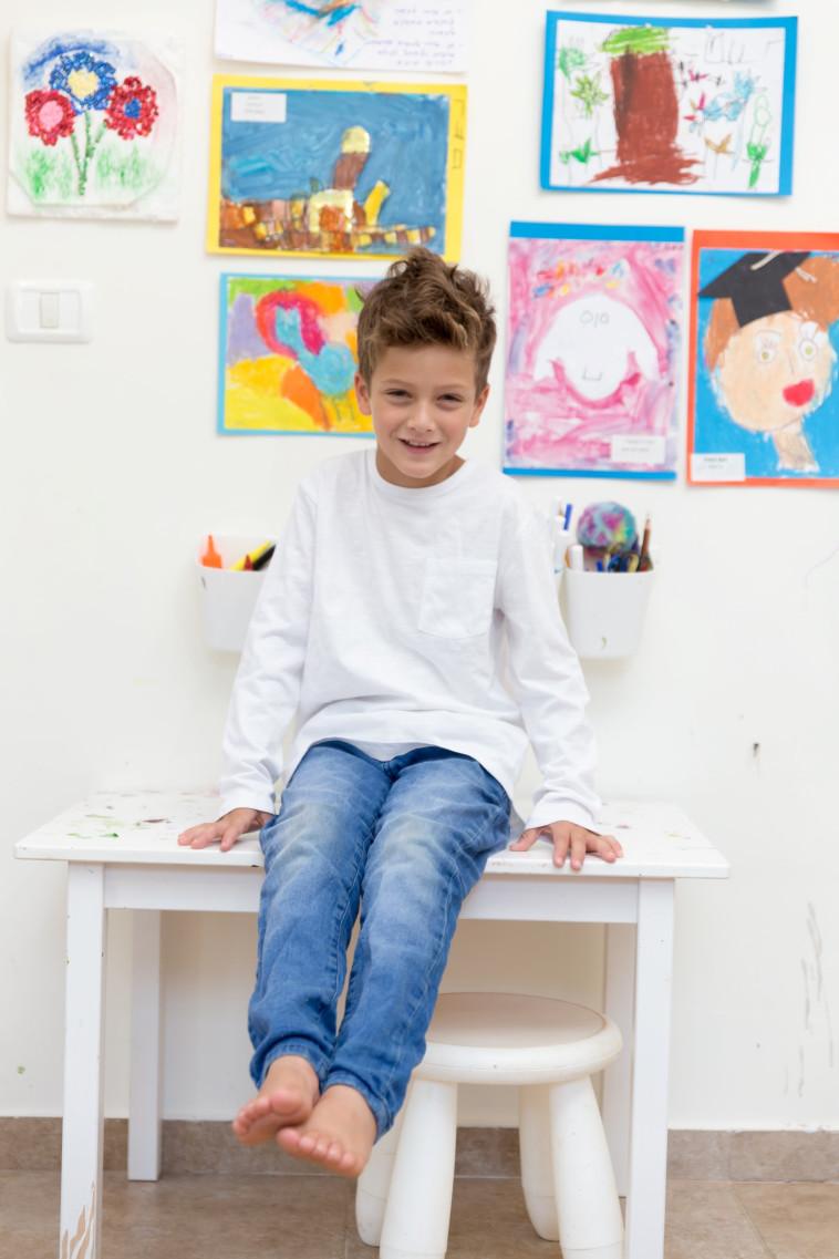 קיר גלריה - אלונה אביסידריס לחברת שניר (צילום: אלונה אביסידריס)