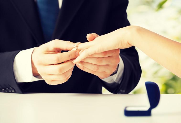 הצעת נישואין, אילוסטרציה (צילום: אינג אימג')