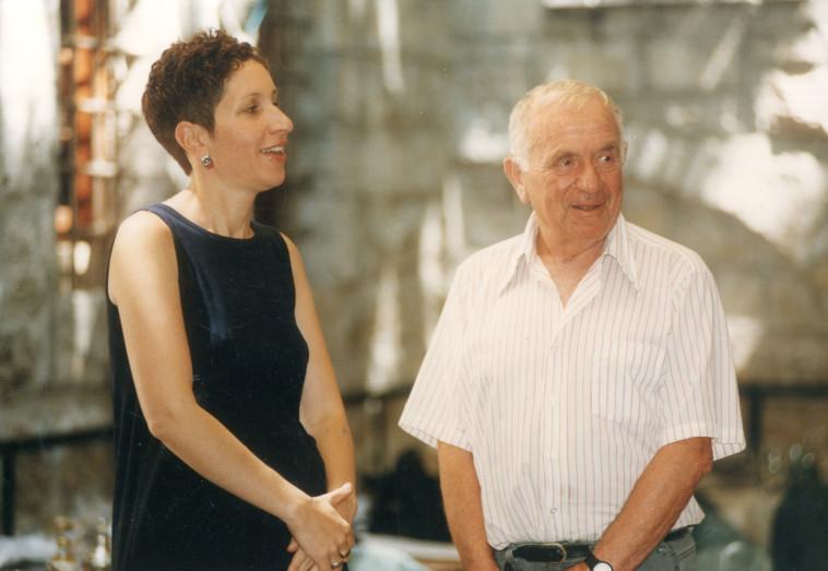 יהודה עמיחי ודגנית פרטוש שנת 1996 (צילום: פלאש 90)