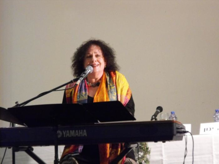 אורה זיטנר בהופעה (צילום: אילנה שקולניק ilana shkolnik)