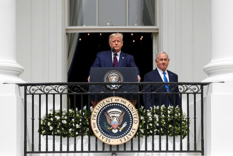 טראמפ ונתניהו בחתימת ההסכמים בבית הלבן (צילום: REUTERS/Tom Brenner)