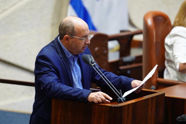 אבי ניסנקורן בעת הצבעה על הצעתו של ח''כ סמוטריץ' (צילום: דוברות הכנסת, יהונתן סמייה)