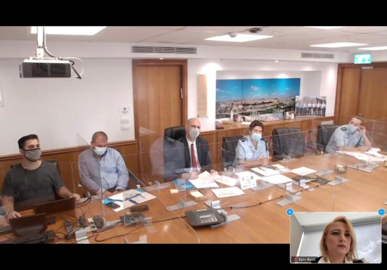 עו''ד בכור-בוני והשר אוחנה בדיון על תלונות השווא (צילום: צילום מסך)
