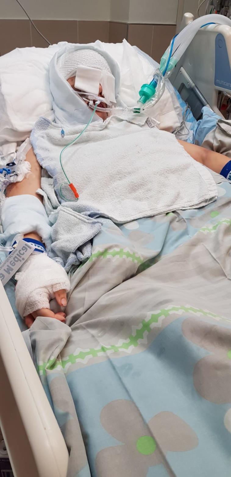 שירה איסקוב בבית החולים (צילום: באדיבות המשפחה)