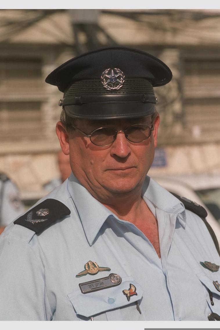 אליק רון בשנת 2000 (צילום: עמוס בן גרשום, לע''מ)