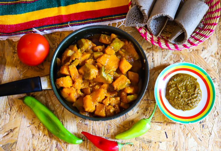 מסעדת בונה האתיופית  (צילום: תדלה אסרס)