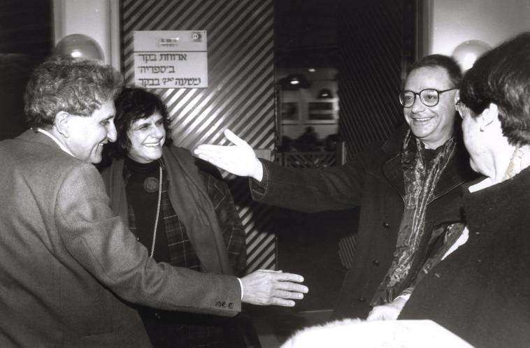 יהושע קנז, יהודית הנדל וא.ב. יהושע (צילום: יוסי אלוני)