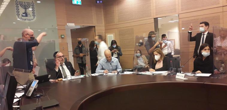 מתוך הדיון בקבינט הקורונה (צילום: שמוליק גרוסמן, דוברות הכנסת)