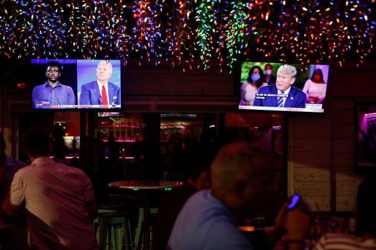 הראיונות המקבילים של טראמפ וביידן  (צילום: REUTERS/Octavio Jones)