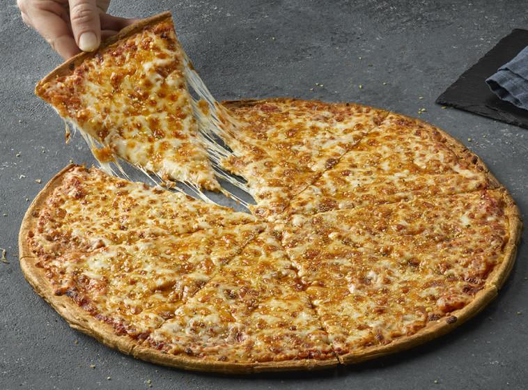 פאפא ג'ונס, פיצה 6 גבינות  (צילום: יח''צ)