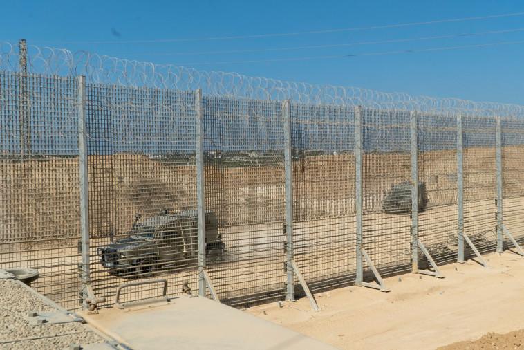 הגדר החדשה בגבול רצועת עזה (צילום: דובר צה''ל)