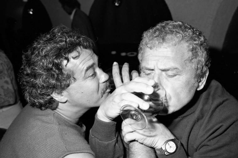 שנת 1983 יהודה ברקן ואריק לביא (צילום: שמואל רחמני)