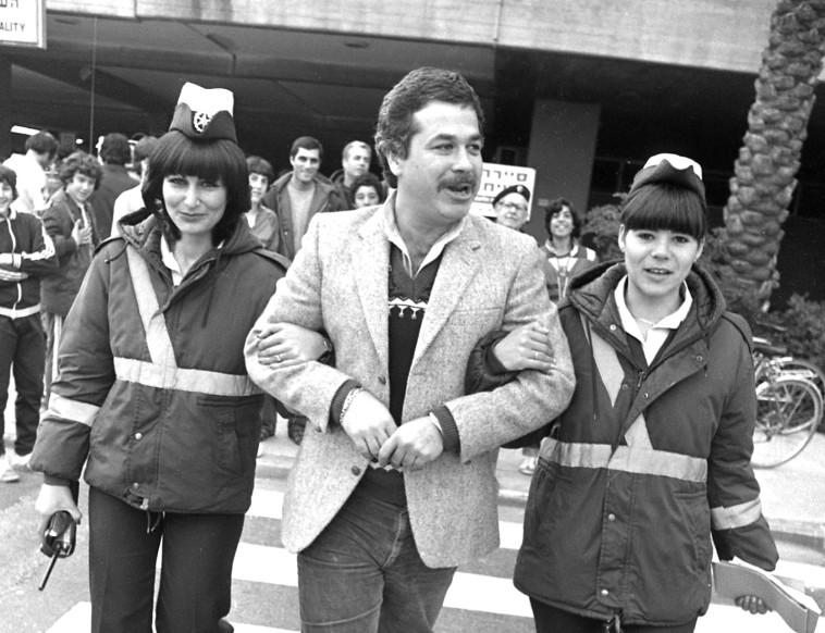 שנת 1982 יהודה ברקן בשבוע הזהב  (צילום: שמואל רחמני)