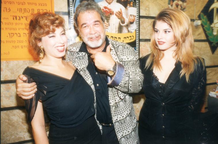 שנת 1992 יהודה ברקן בהקרנת הבכורה של הסרט גברת תפתחי זה אני  (צילום: אלי דסה)
