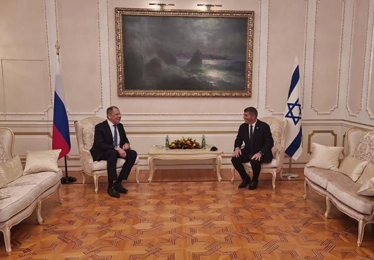 שר החוץ גבי אשכנזי נפגש עם עמיתו הרוסי, סרגיי לברוב (צילום: דוברות משרד החוץ)