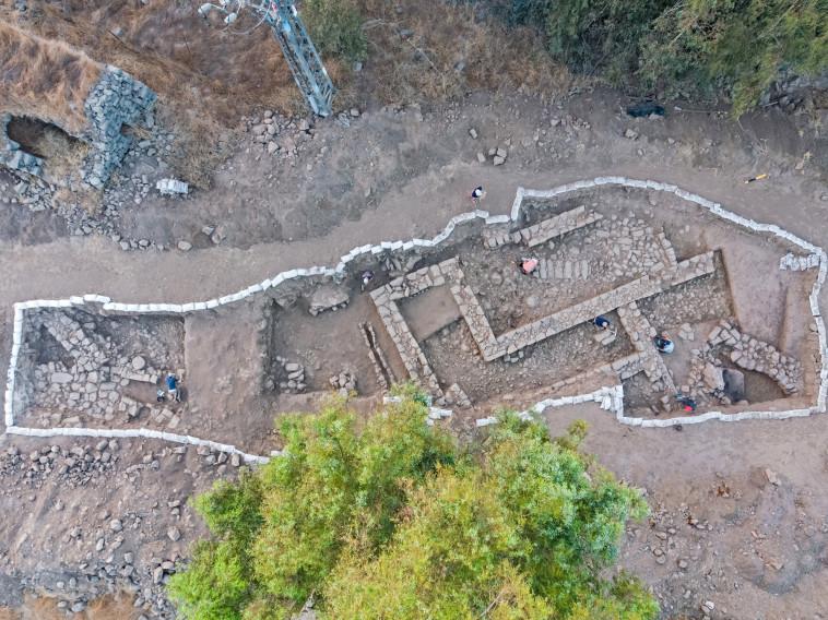 אתר החפירה בנפח (צילום: אסף פרץ, באדיבות רשות העתיקות)