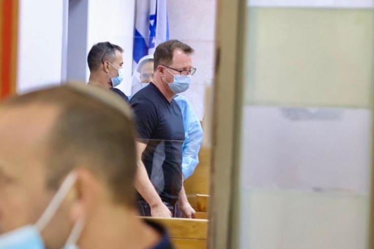 אמיר קליבנוב בבית המשפט  (צילום: אבשלום ששוני)
