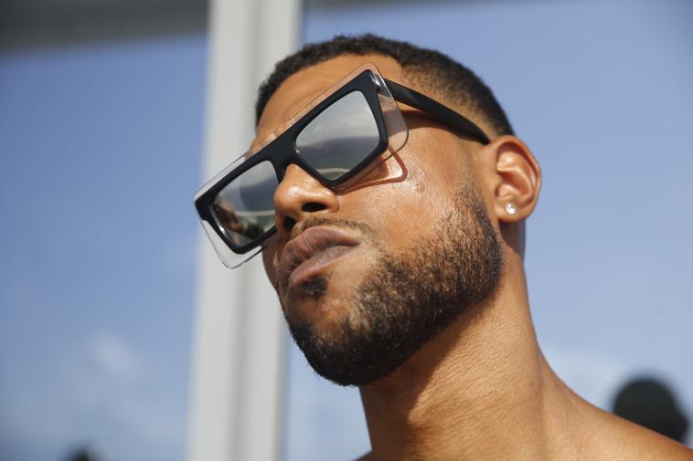 בלאק פריידי וסייבר מאנדיי באירוקה. 50%-70% הנחה על משקפי שמש וראייה. צילום: גיל חיון. (צילום: גיל חיון)