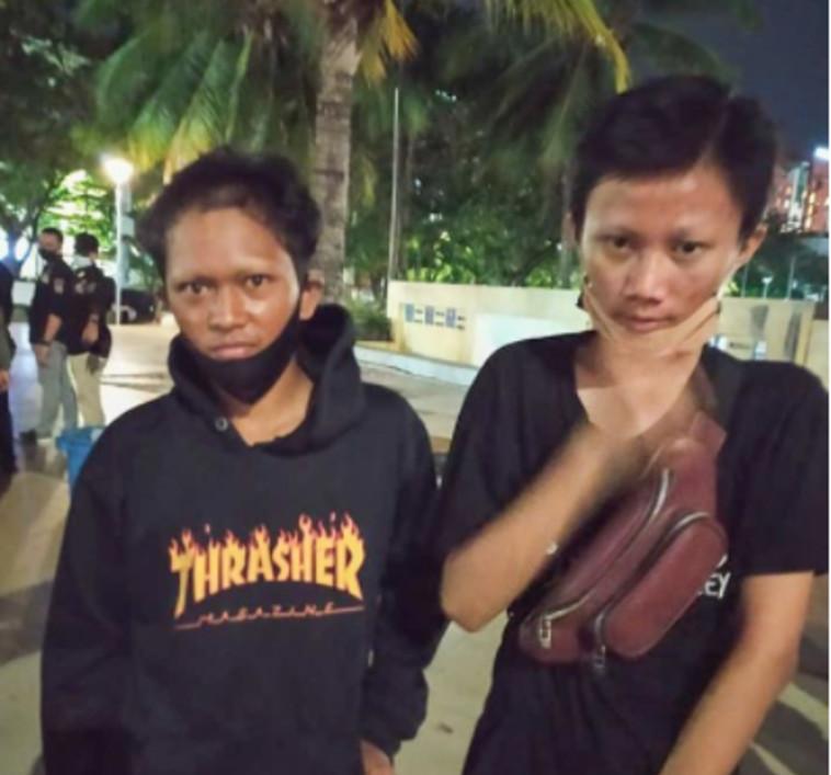 שני הנערים שנתפסו וגבותיהם גולחו (צילום: רשתות חברתיות)