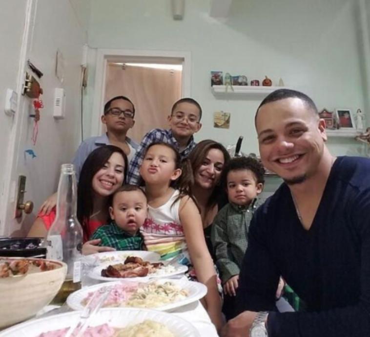 בני משפחת גומז  (צילום: רשתות חברתיות)