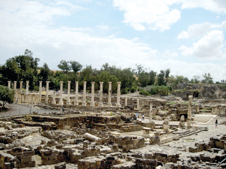 שרידים רומיים בבית שאן (צילום: הדר יהב)