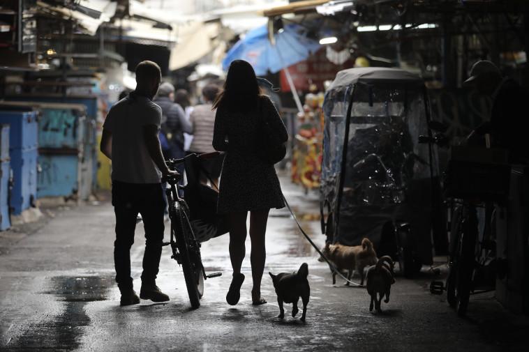 שוק הכרמל סגור בגלל הקורונה  (צילום: מארק ישראל סלם)
