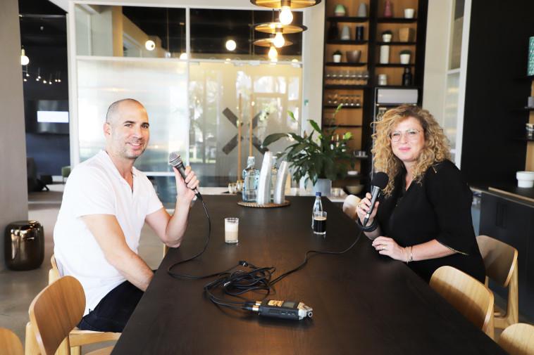 ערן גפן עם רונית אטד, מנכ''לית מייקרוסופט (צילום: אלינור וייסברוט)