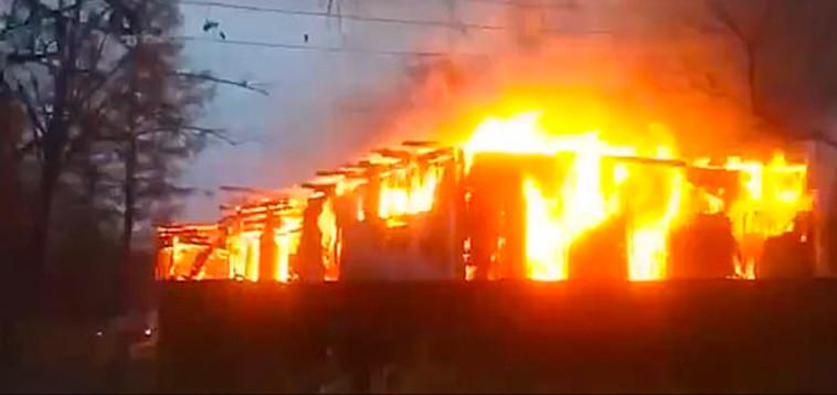 השריפה שהתחוללה בהוספיס (צילום: רשתות חברתיות)