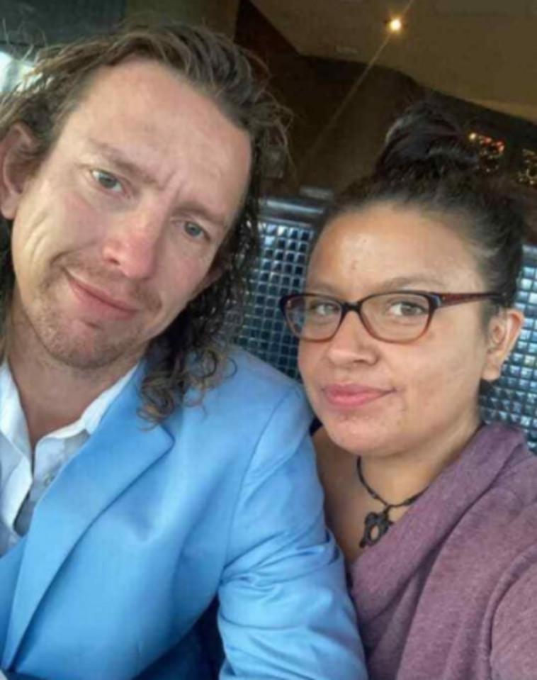 הזוג דיאן וטים שחיים אורח חיים פוליאמורי  (צילום: רשתות חברתיות)