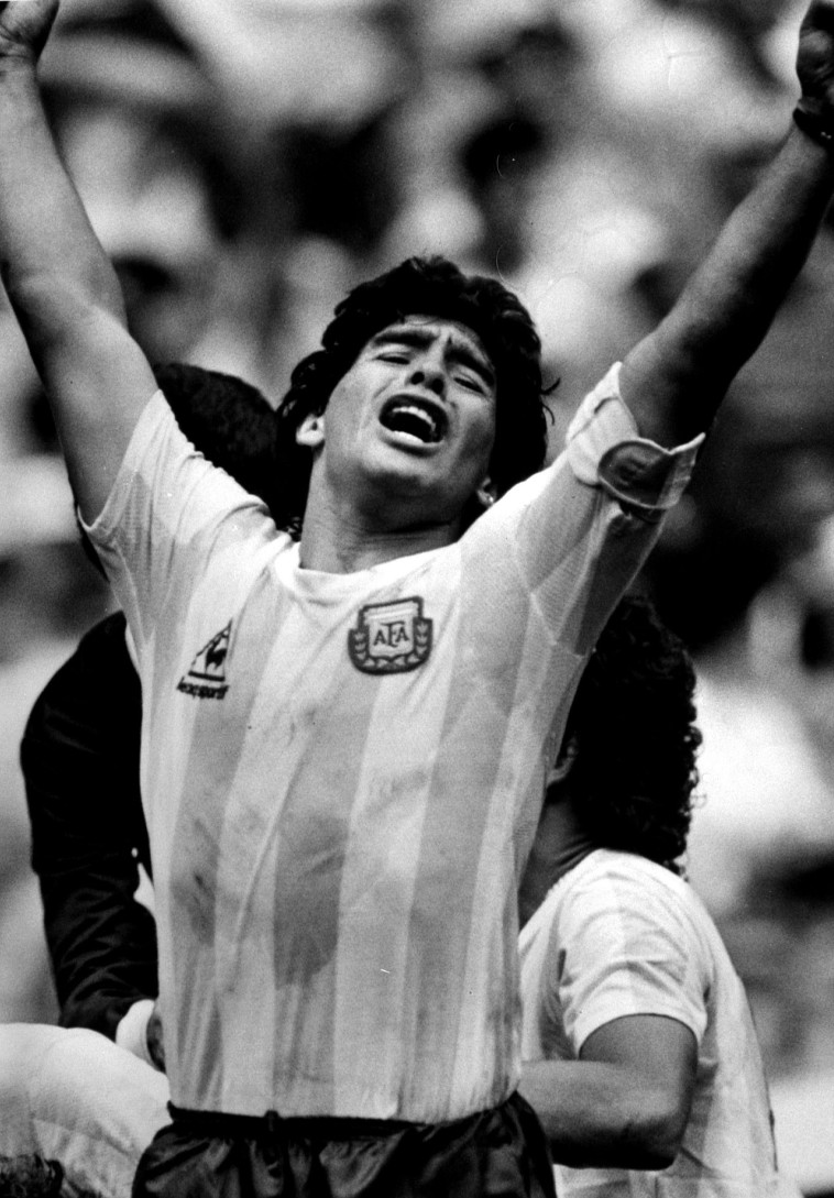 מראדונה במדי נבחרת ארגנטינה (צילום: רויטרס)