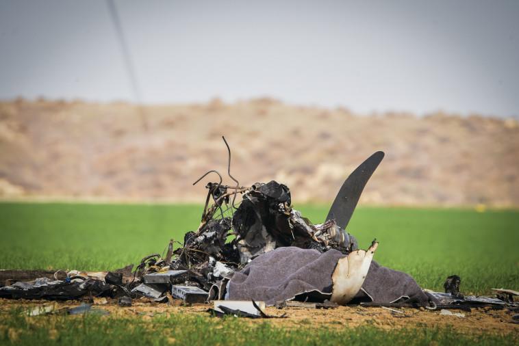 זירת התרסקות המטוס בדרום  (צילום: דודו גרינשפן, פלאש 90)
