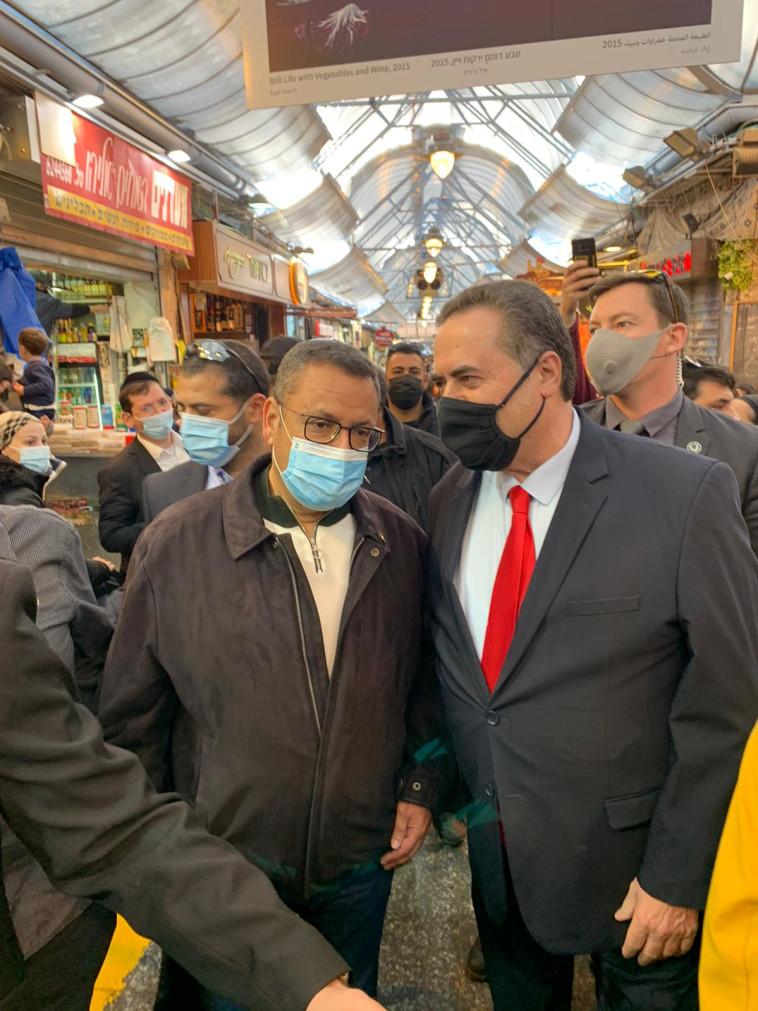 ישראל כ''ץ בשוק מחנה יהודה (צילום: ללא קרדיט)