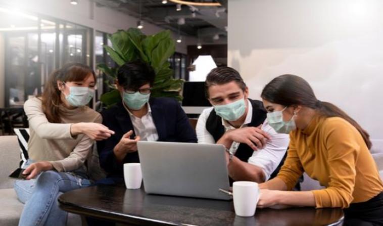 עבודה בתקופת קורונה (צילום: Shutterstock)
