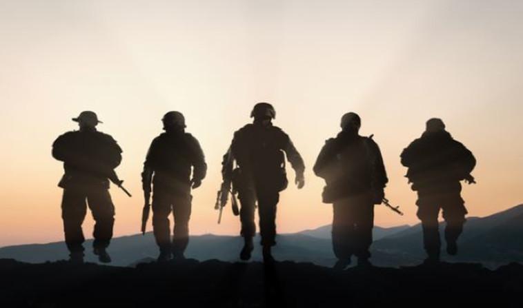 חיילים בפעילות מבצעית (צילום: Shutterstock)