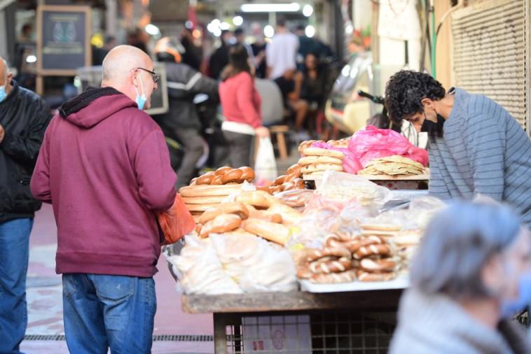שוק הכרמל לפני הסגר (צילום: אבשלום ששוני)
