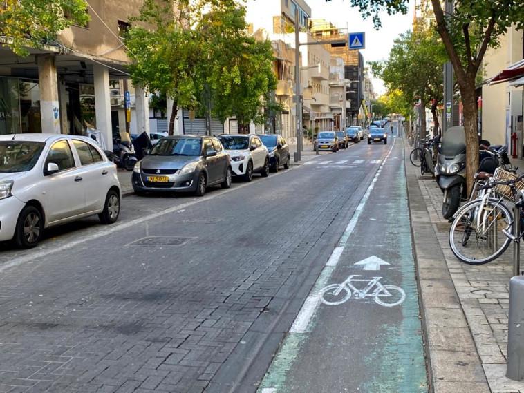 חנויות סגורות בעקבות הסגר ברחוב שנקין בתל אביב (צילום: אבשלום ששוני)