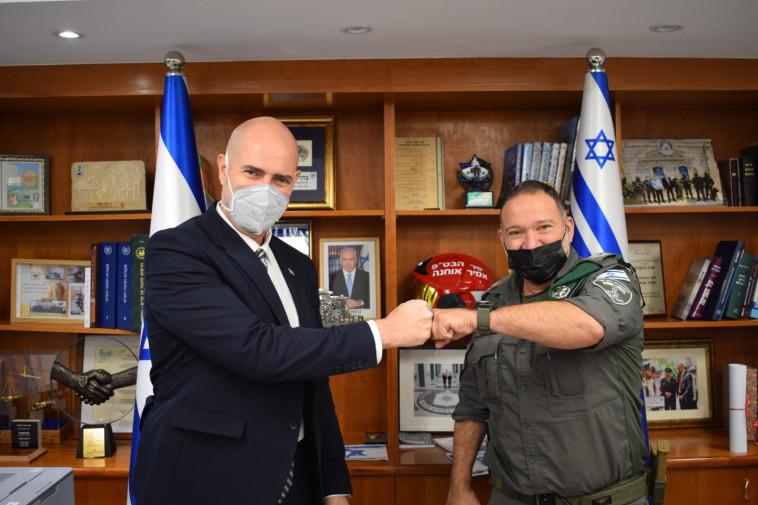 מפכ''ל המשטרה הנבחרת קובי שבתאי והשר אמיר אוחנה (צילום: ללא קרדיט)