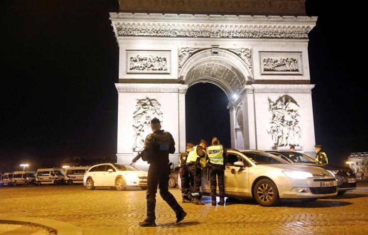 שער הניצחון בפריז, ארכיון (צילום: REUTERS/Charles Platiau)
