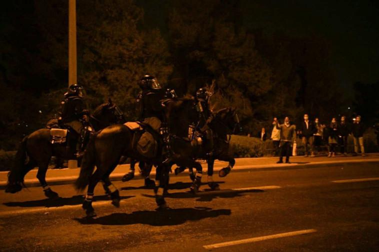 המחאה מול בניין מח''ש בירושלים על מותו של אהוביה סנדק (צילום: דוברות המשטרה)